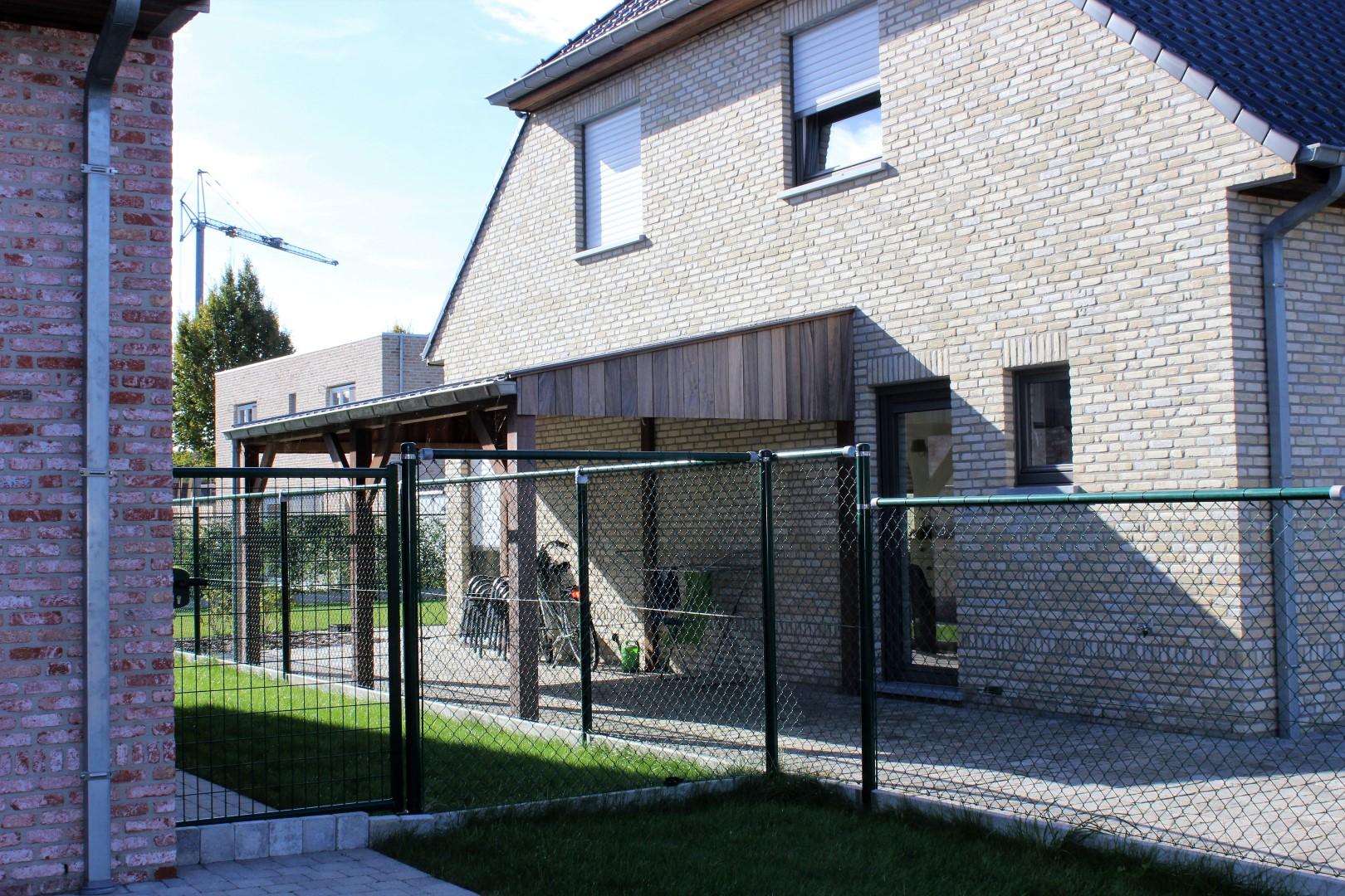 GB Construct, Open carport, Bijgebouw, Padouk planchetten, Dakbedekking Joris IDE panelen, Zinkwerk, Jabbeke